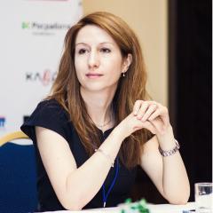 Исполнительный  директор ERV в России. Председатель Комитета по вопросам страхования  в сфере  туризме при ВСС